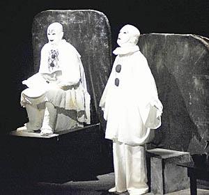 劇場にすすり泣き 倉本聰さん、富良野で舞台公開