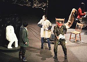 ノクターン-夜想曲」の県内最終公演の一場面