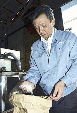 酒造りに使用するコメの品質にこだわり最高の日本酒の提供を誓う桜井社長