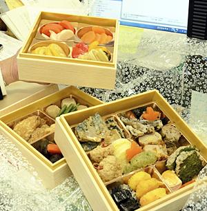 『までいな弁当』食べて頑張って! 飯舘村職員の復興業務応援