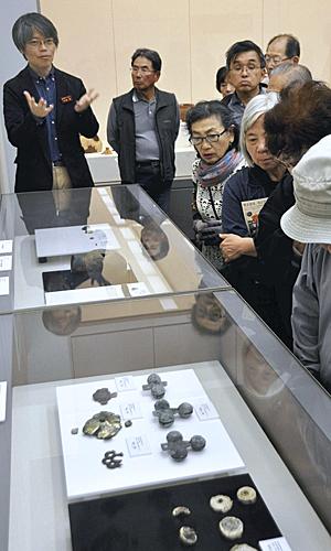 「考古学」最新情報を紹介 貴重な遺物並ぶ、福島県立博物館