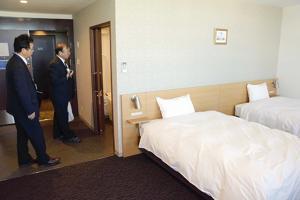 復興後押し、富岡ホテル 「駅前の新しい顔」に、地元8人共同出資