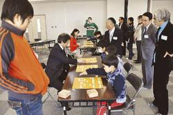 プロ棋士の戦法学ぶ 白河で児童対象に教室