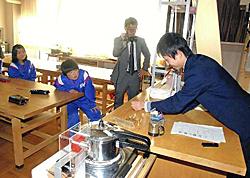 発電の仕組み解説 小高工高生が太田小で出前教室