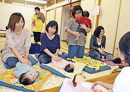 子育てや育児の悩みに助言 助産師会白河会が相談会
