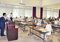 小学校教育に新聞活用 郡山でNIEの実践例講演